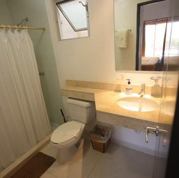 Two en suite bathrooms