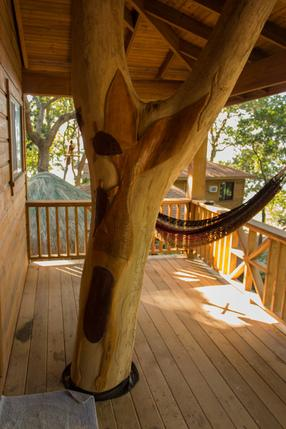 Large covered Deck with Hammock & dining area