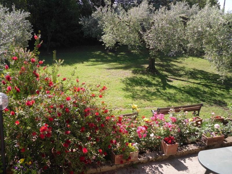An independant apartment in large rural house, location de vacances à Palombara Sabina