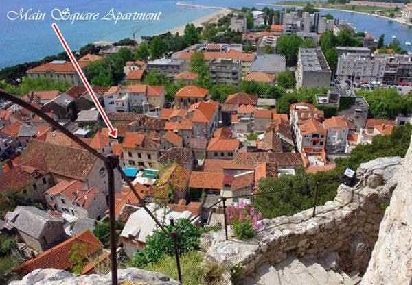 Located on the main square of old town of Omiš, few steps from everything you will need on vacation