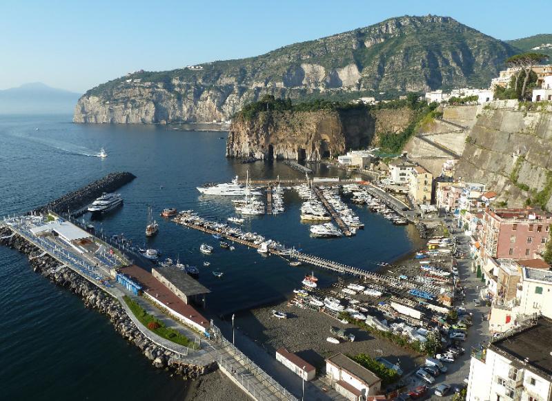 village de pêcheurs de Marina di Cassano est accessible en 5 minutes à pied