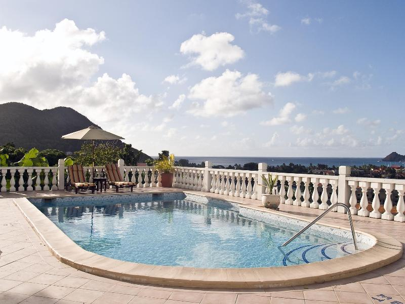 Spectacular Pool view. Great for exercising or sun bathing