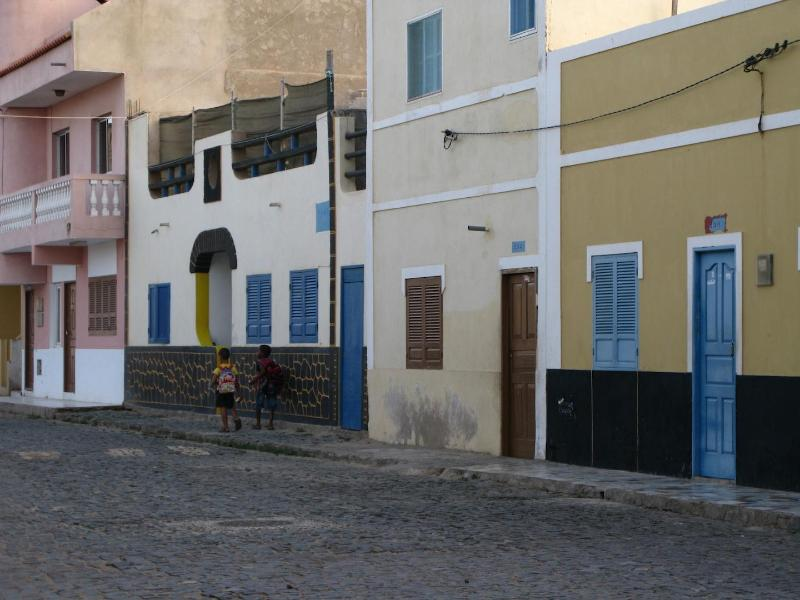 A typical residential street in Santa Maria