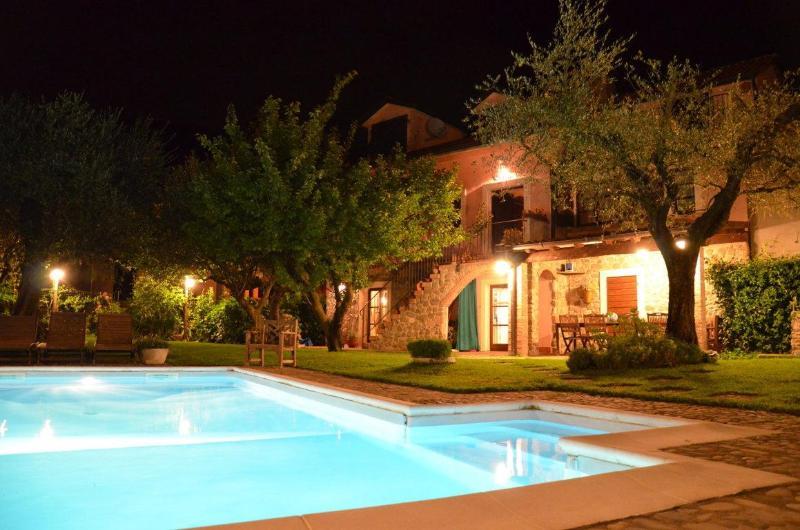 B&B La Luna di Giulia, Indigo bedroom., vacation rental in Barbarasco