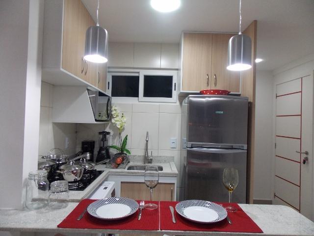 Cozinha com todos utensílios e eletrodomésticos