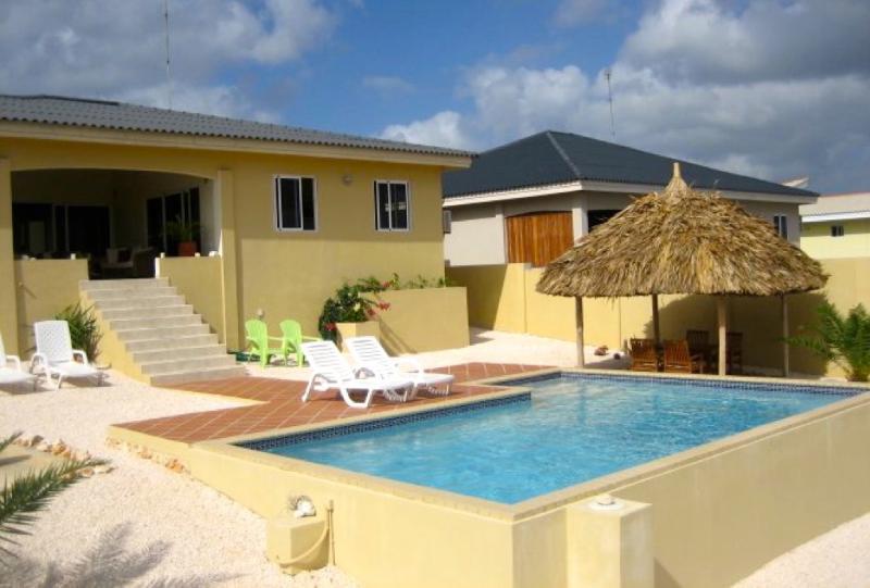 Fantastische villa met zwembad en spectaculair uitzicht over de oceaan.