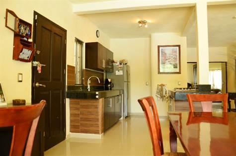 Kitchen With Center Isle