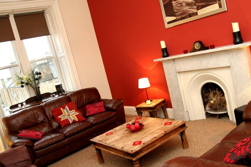 Luxury Apartment in Central Edinburgh, vacation rental in Roslin