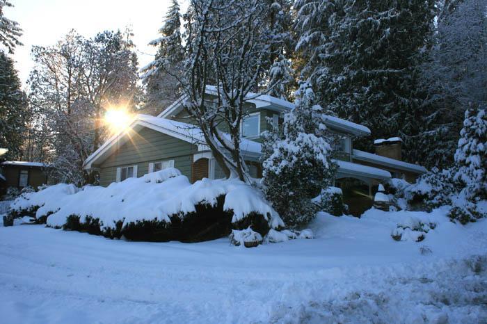 5bedroom 2,5bath house in Port Moody  30 min to Va, alquiler de vacaciones en Port Coquitlam