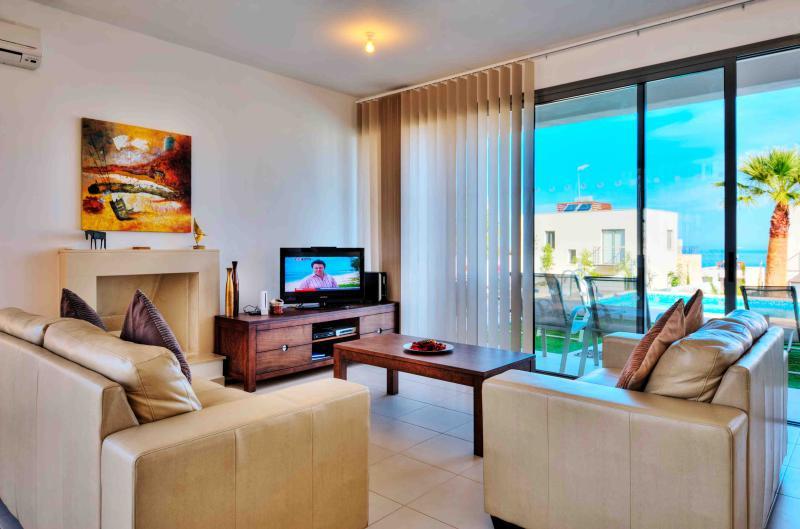 Villa Ocean View     , location de vacances à Neo Chorion