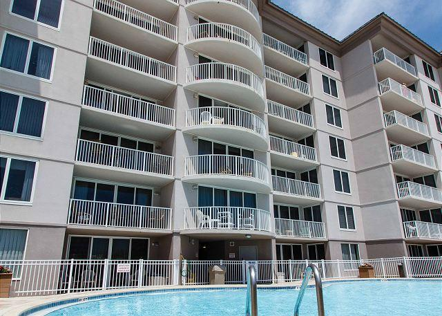 Island Princess balconies face the Gulf front amenities