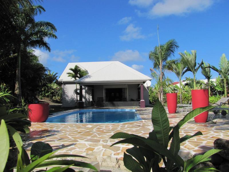 Grande villa , 8/10 pers, piscine, A/C, WIFI, TV, location de vacances à Sainte Rose