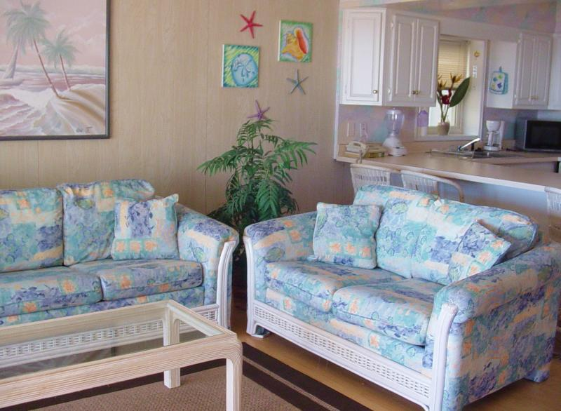 Six on the Beach. Fantastic Oceanfront w/ direct beach  access. First Floor, alquiler de vacaciones en Ocean City