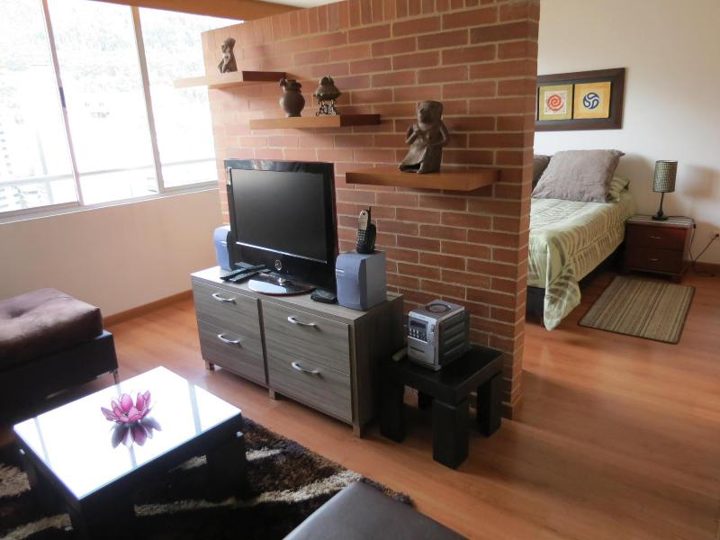 Spectacular loft like studio, Business District!, vacation rental in Bogota