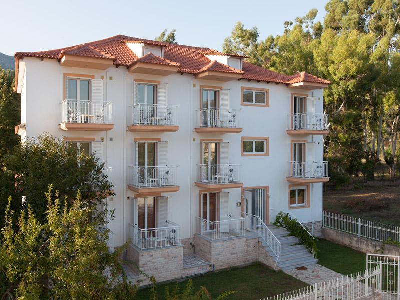 ELATOS APPARTMENTS, holiday rental in Vytina