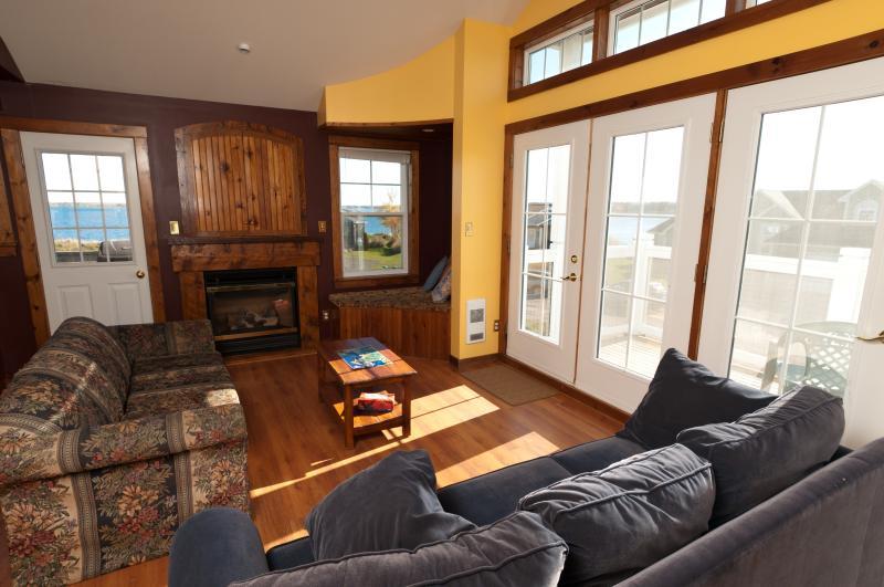 sala de estar en segundo plano