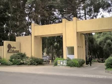 Gated entrance - Entrada con vigilancia 24 horas