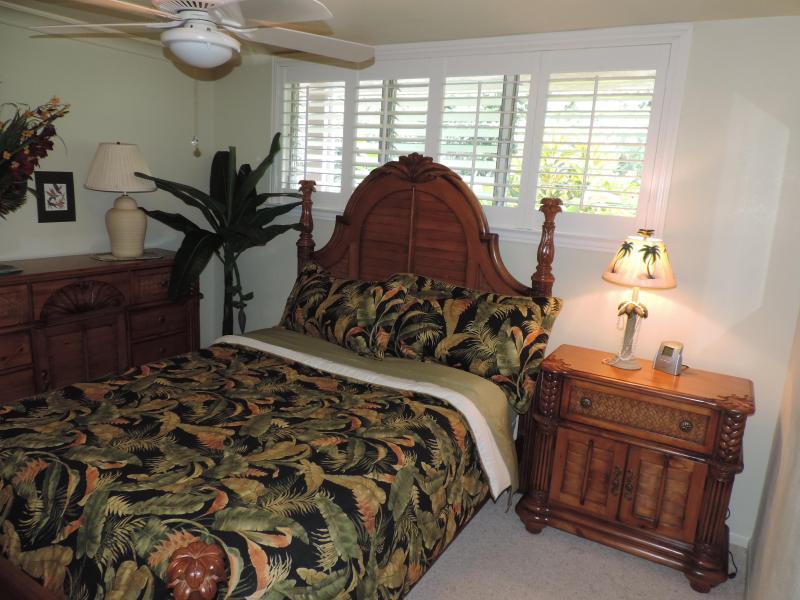 bedroom queen memory foam