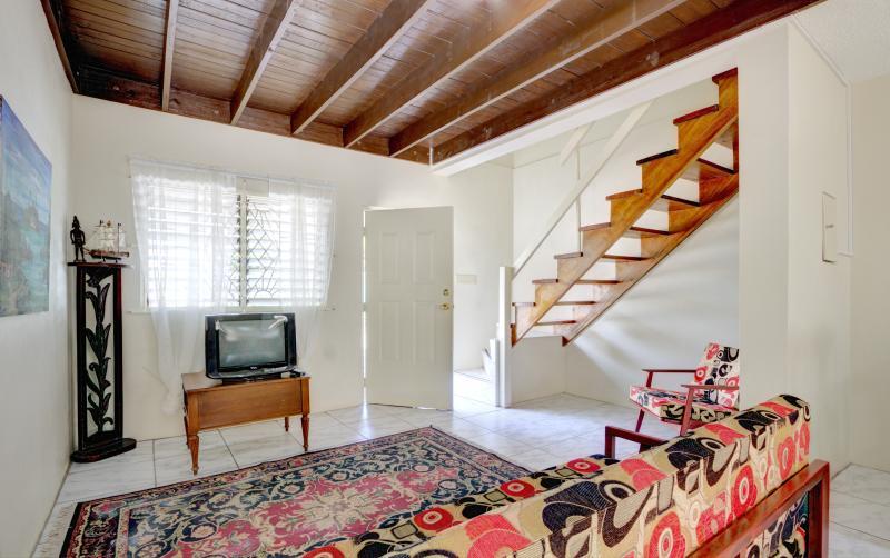 Cozy living room furnishings.