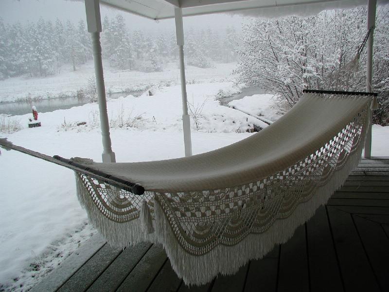 Hängmatta på verandan vintertid