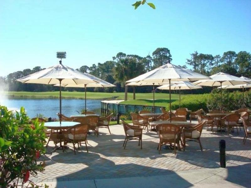 Stonebridge terrasse by 18th hole
