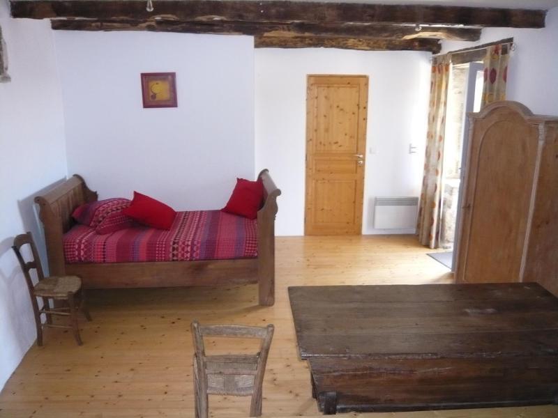 Lit bateau - lit simple dans la chambre à coucher au rez de jardin