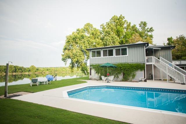 KJ's River House Available check KJ Best Rentals