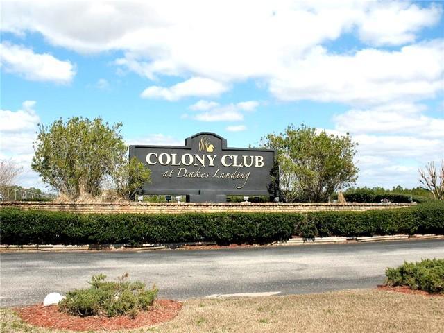 Colony Club Entrance Sign