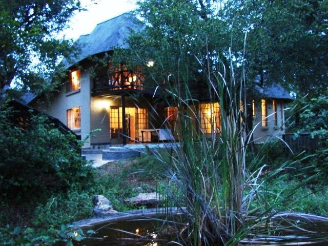 Kruger River Villa - Mtombo, holiday rental in Marloth Park