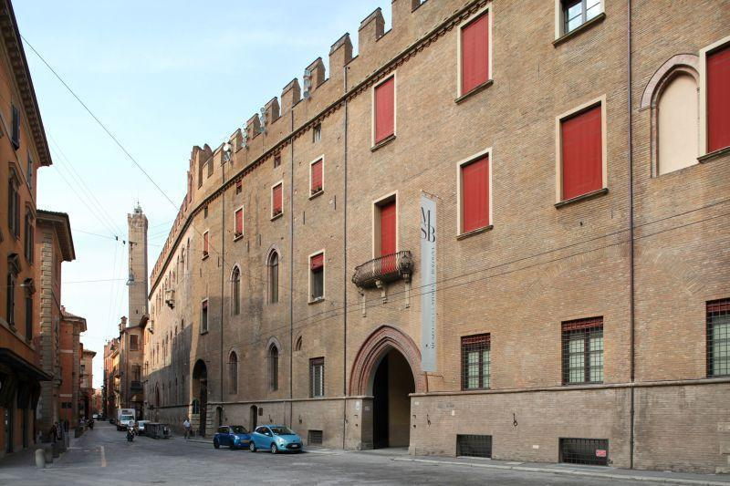Palazzo Pepoli, home of the History of Bologna Museum, and the 2 Towers - only 200 mts.!
