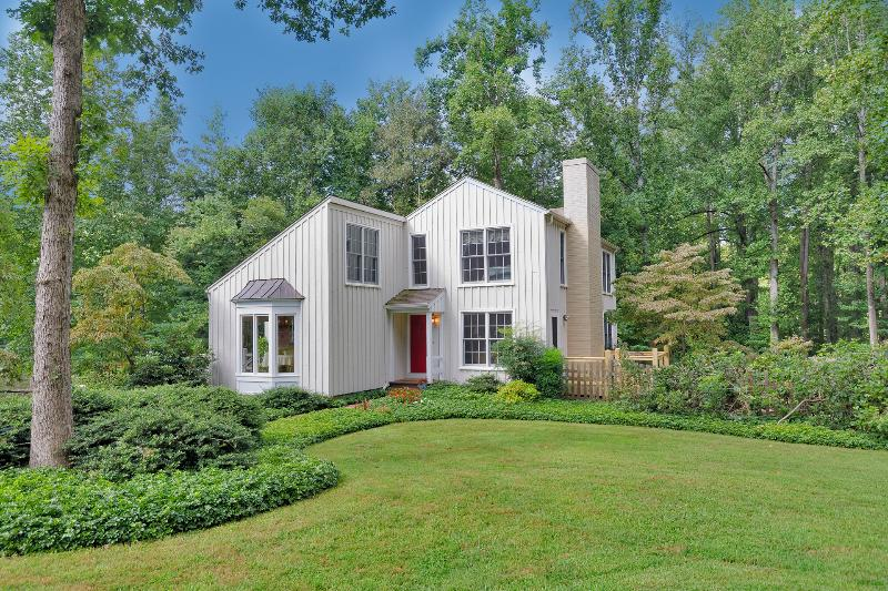 Stay Minutes from UVA, Yet Feel Like You're in the Country—On 5 Ac. w/ Pond