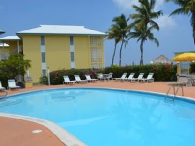 Fantastica piscina per rilassarsi in!