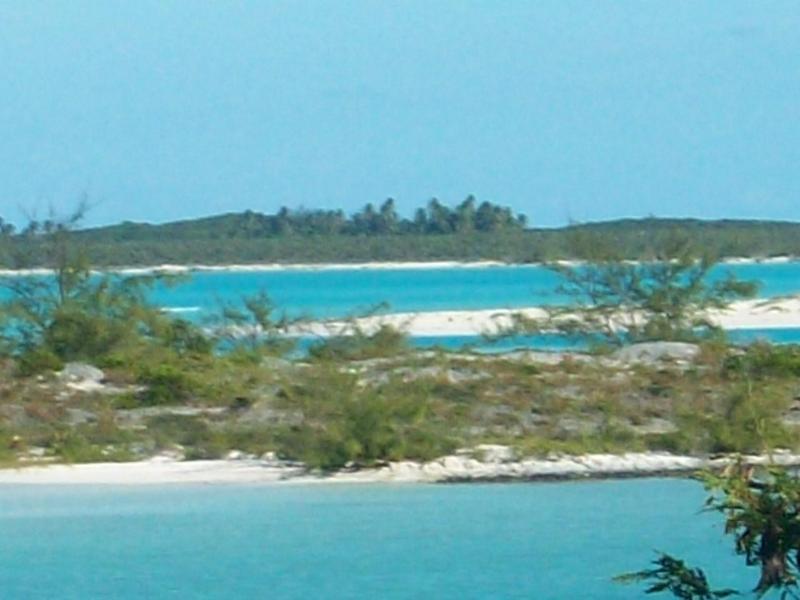 Beach on Mariah Cay