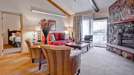Beautiful Beaver Creek Condo, 10 minutes to Vail!, holiday rental in Beaver Creek