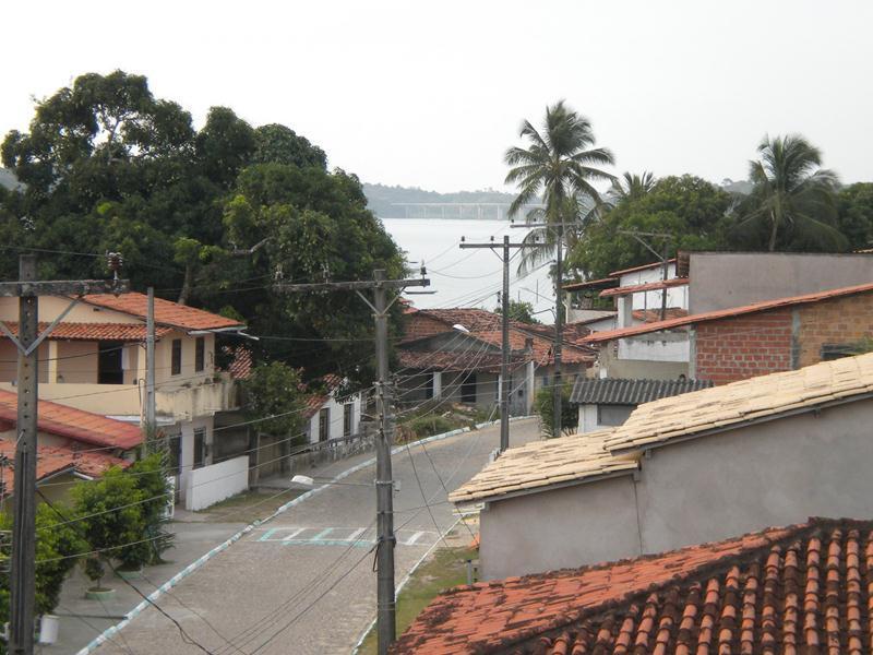 Vista da direitada vila pela lateral da cobertura