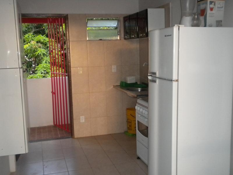 Vista da cozinha a partir da sala
