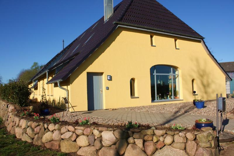 Spacious family-friendly Apartment at Reuterteich, holiday rental in Strenglin
