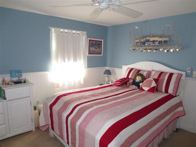 First floor master bedroom with Queen