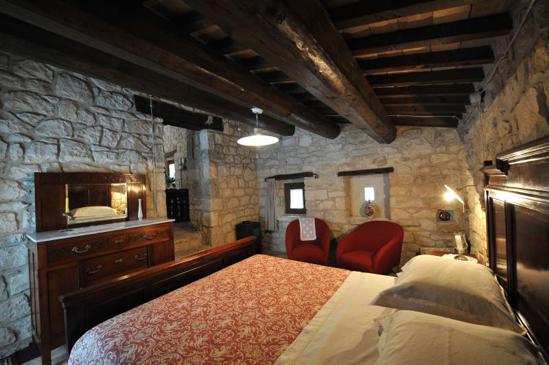Stones House in  Majella National Park Lucertola M, vacation rental in Bolognano