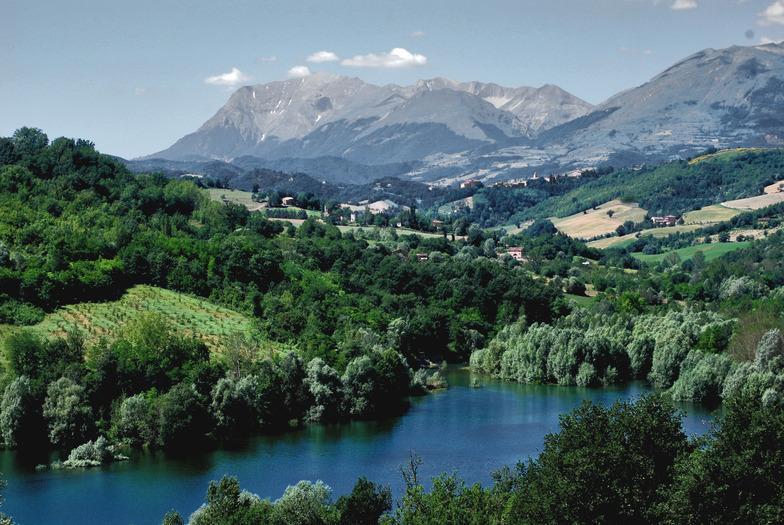 Lake San Ruffino near to Villa Miramonti