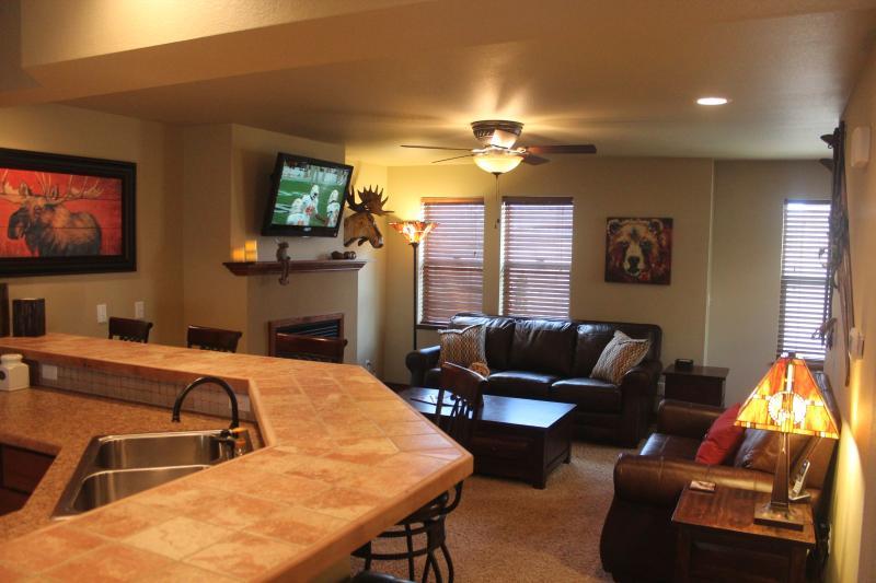 Breakfast Bar to Living Room