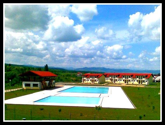 And with a very hot day there is a quality swimming pool just ten minutes away down in the valley