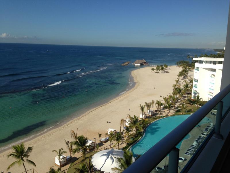 OCEAN FRONT CONDO IN MARBELLA, alquiler de vacaciones en Juan Dolio