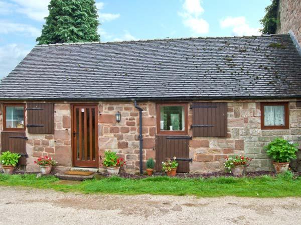 WREN COTTAGE, character cottage, garden, country setting, Rudyard Ref 25747, vacation rental in Leek
