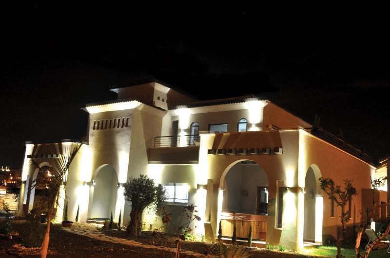 Black&White Villa