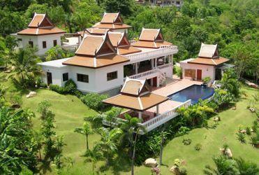 Stunning Thai style villa close to Layan beach, holiday rental in Thep Krasattri