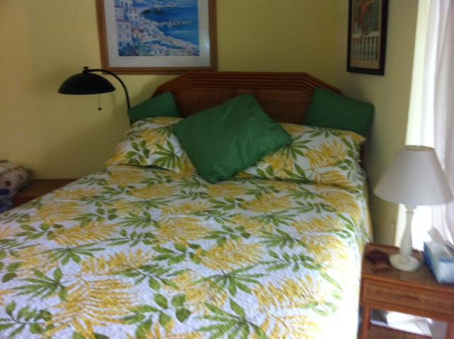 Beach side bedroom - listen to the waves!