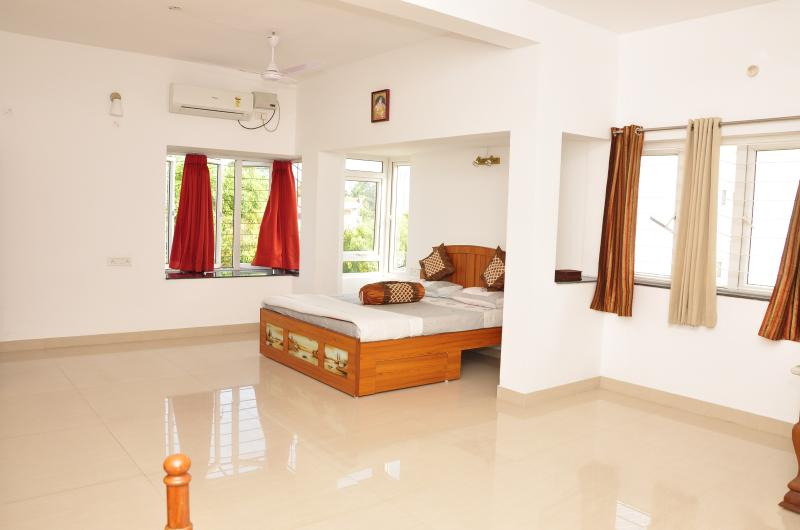 Mel Ville Serviced Apartment ~ Penthouse Suite ~ Quartz, Ferienwohnung in Pondicherry