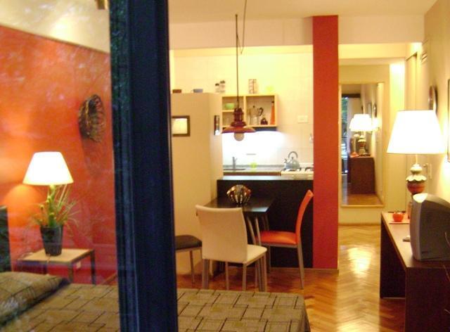 Studio Rojo Belgrano 2 Pax, holiday rental in Villa Ballester