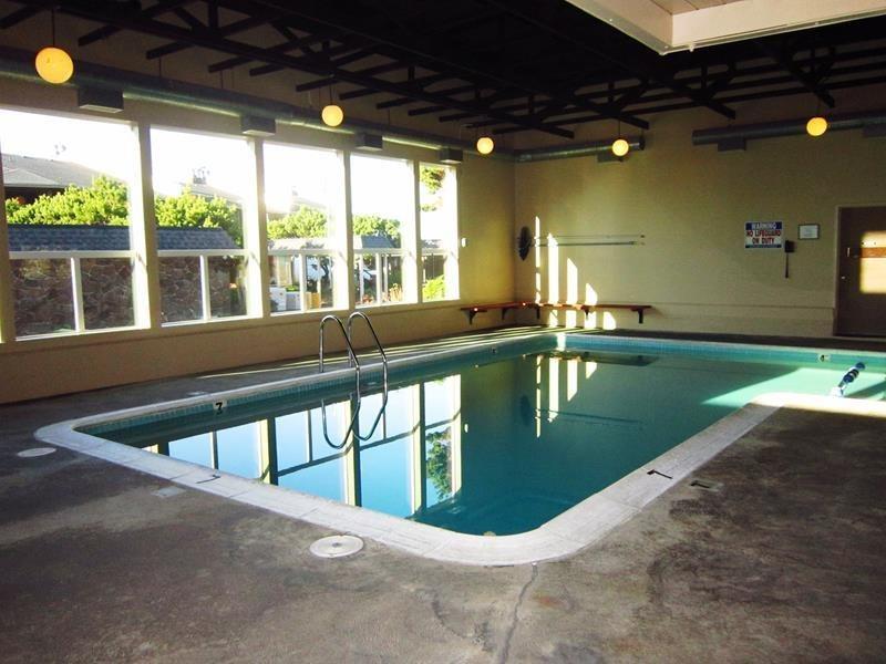 Seaspray - Common Area Recreation Room Indoor Pool, photo 2